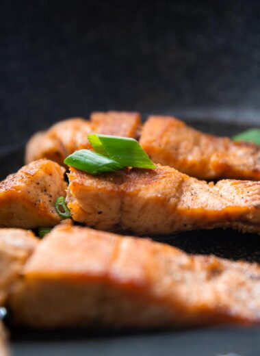 mediterranean pan seated salmon with garlic and butter