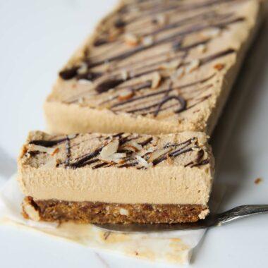 no bake vegan cheesecake bars